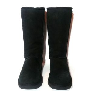 NWOT Ugg Classic Tall Boots